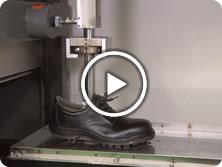 靴底の耐滑性試験